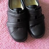 Кожаные туфли, размер 38.