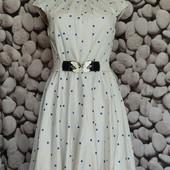 Котоновое платье в горошек с пышной юбочкой