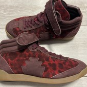 Отличные Деми ботиночки натуральная замша 39 размер стелька 25 см