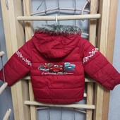 Классная и яркая демисезонная куртка на мальчика с изображением героев Тачки