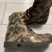 Кожаные Деми ботиночки в состояние новых 33 размер стелька 21 см .