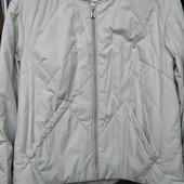 Женская короткая демисезонная куртка button