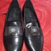 Новые женские туфли 42размера отличного качества