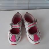Фирменные туфельки с любимой Пеппой размер 6