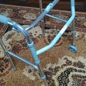 Ходунки с колесиками для пожилых и инвалидов