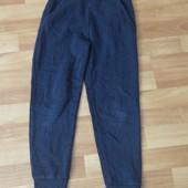 Теплі спортивні штани на 7-8 років в ідеалі