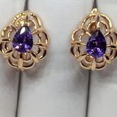 Красивые серьги с нежным фиолетовым цирконом, цвет советского золота,высота 1,5см,шир 13мм