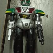 Большой робот на колесиках, подвижный!