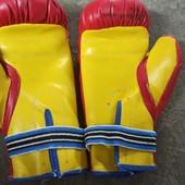Настоящие детские боксерские перчатки. Индия.