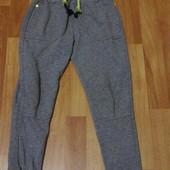 Теплі спортивні штани на 6-7 років
