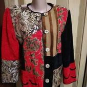 Эксклюзивный комбинированный нарядный пиджак м размера по бирке,будет больше.